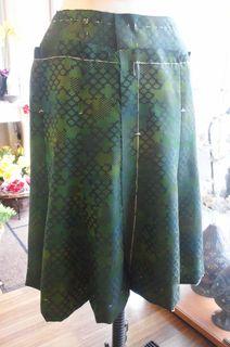 着尺スカート中縫い2.JPG